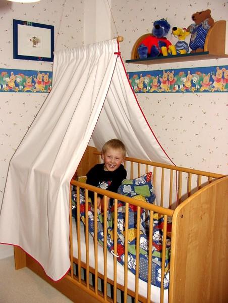 Baldachin für Kinderbett
